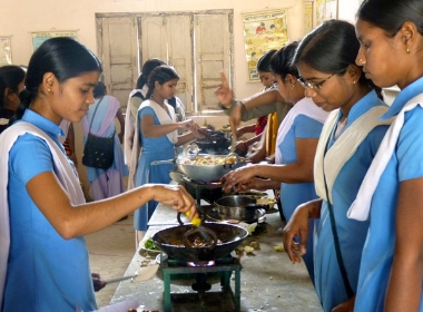 Home Science cooking class at Gandhi College, February 2010