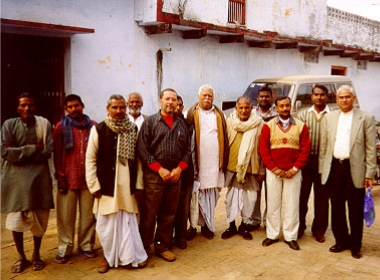 Visitors and residents of the village Mirdha